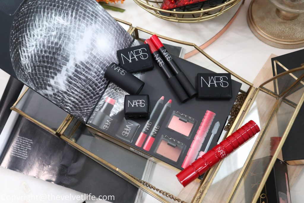 Studio 54 For Nars Collection review swatches Star Scene Cheek Palette, Inferno Eyeshadow Palette, Outshine Lip Gloss Set, Studio 54 Audacious Lipstick, VIP Room Nars Essentials Set , Softcore Mini Blush And Balm Set